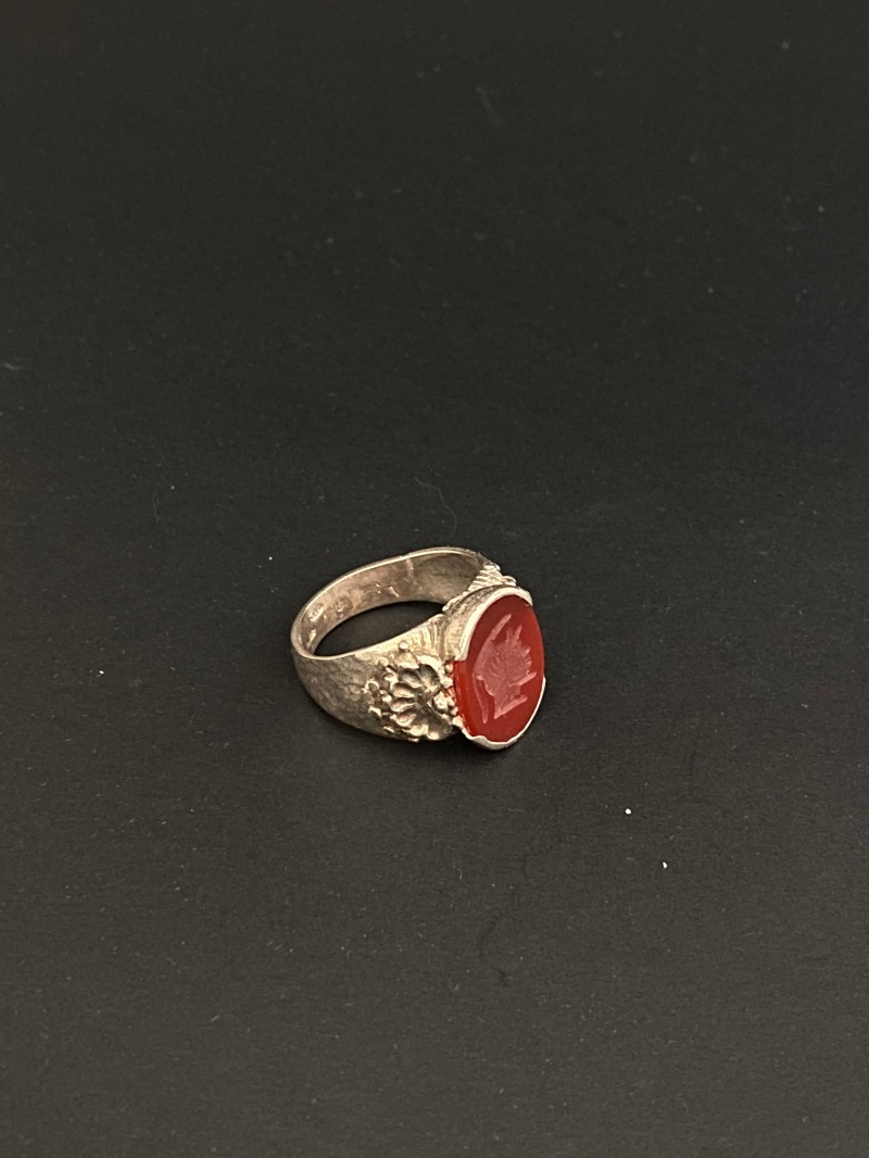 ring-carnelian-engraved-the-head-of-minerva-1692