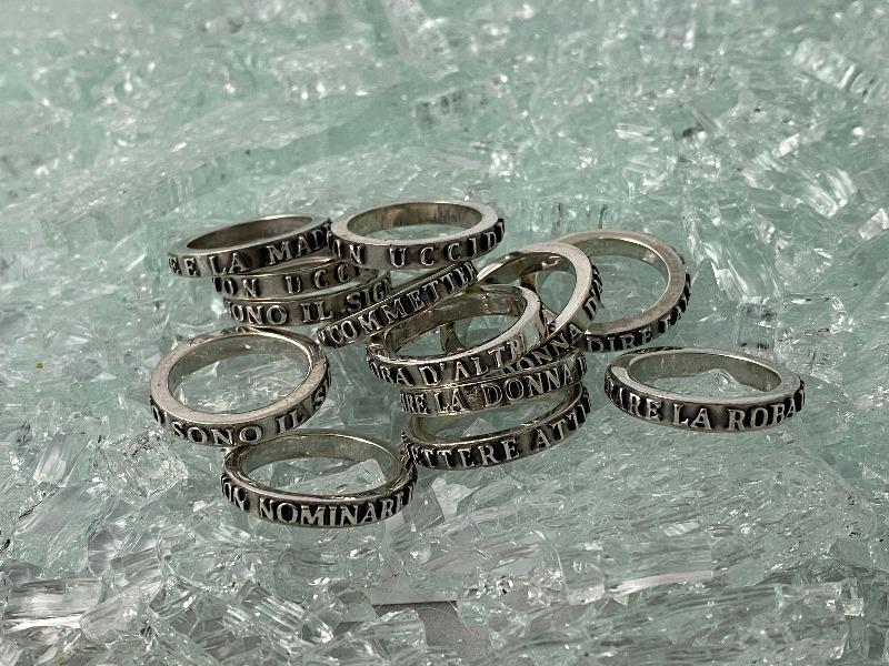 anillo-de-los-diez-mandamientos-honra-a-tu-padre-y-a-tu-madre-cod-506