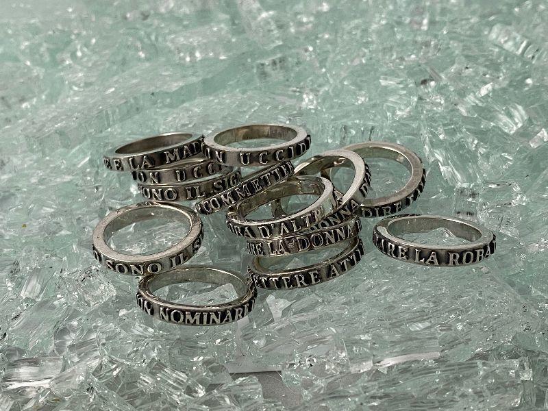 anillo-de-los-diez-mandamientos-no-codiciars-la-mujer-de-tu-prjimo-ref-5060