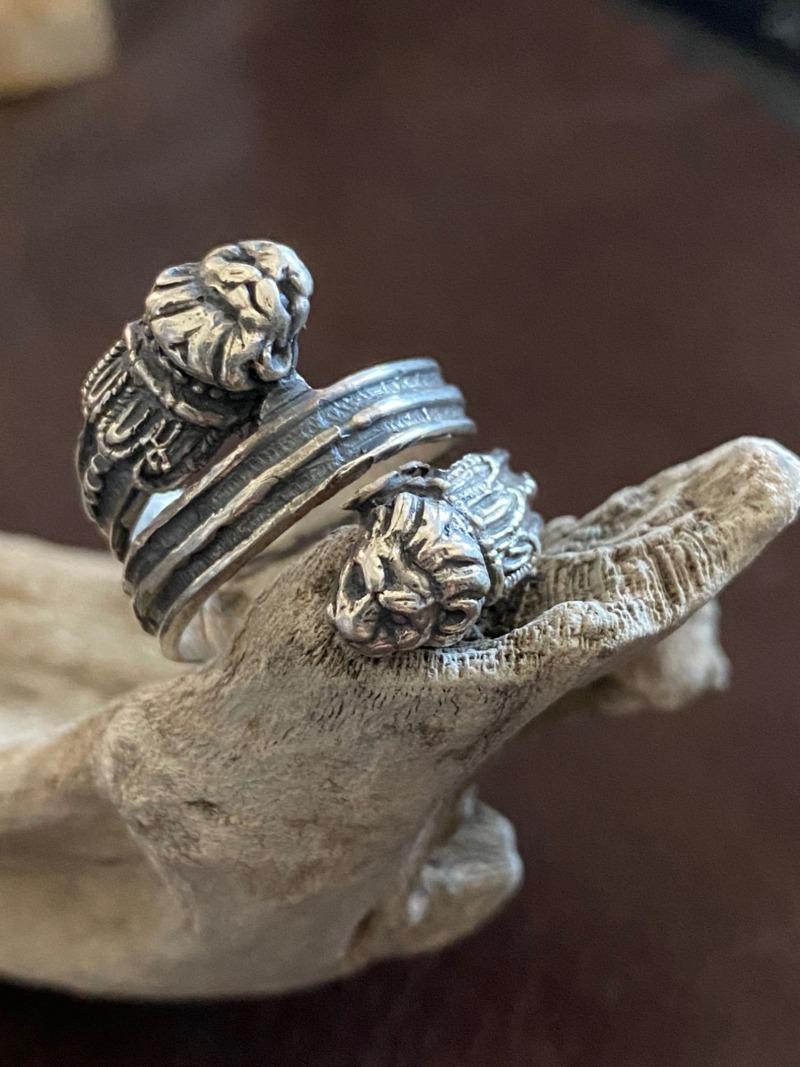 anello-leoni-arcaici
