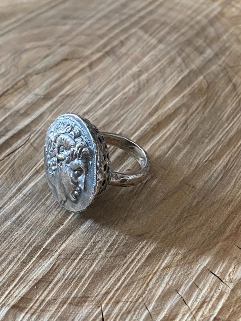 alexander-coin-ring
