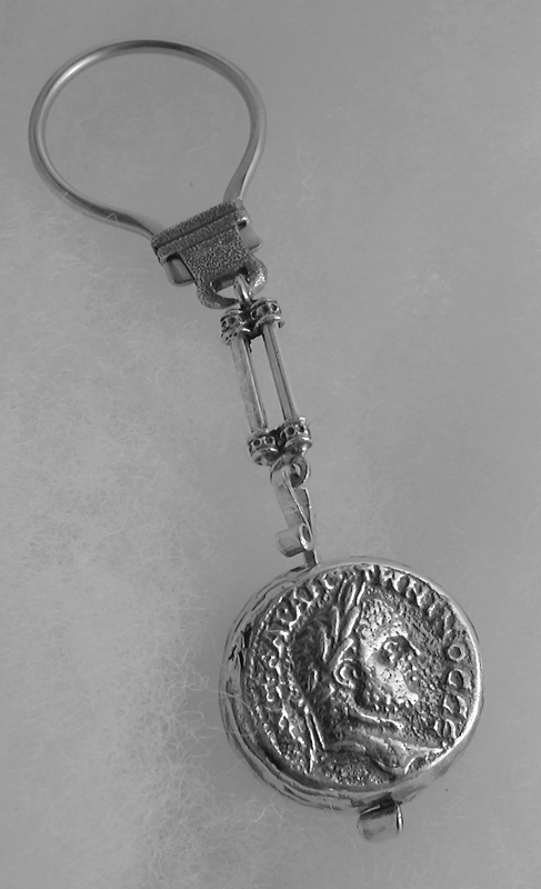 portachiavi-argento-e-acciaio-cesare-4378