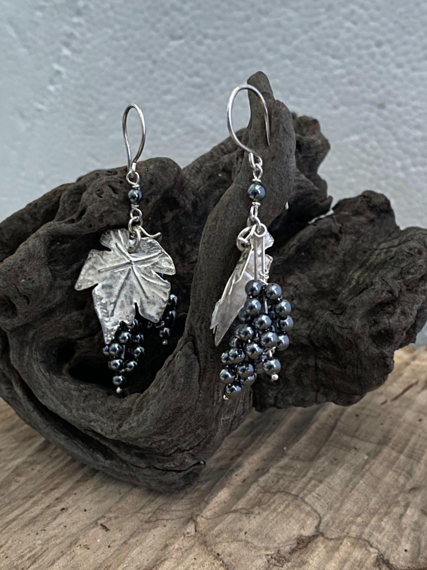 orecchini-romeo-grappolo-d-uva-in-argento-con-ematite-mod-5151